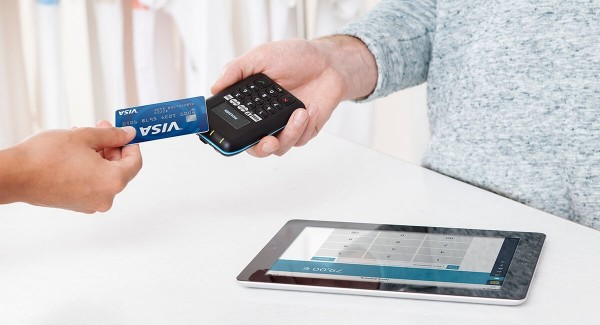 Payleven reader accepting contactless card