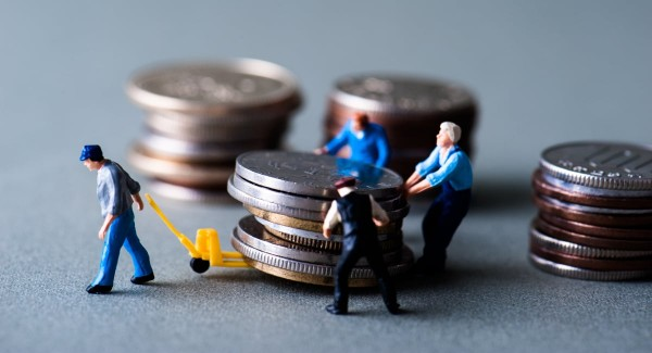 worker pulling coins from different lenders