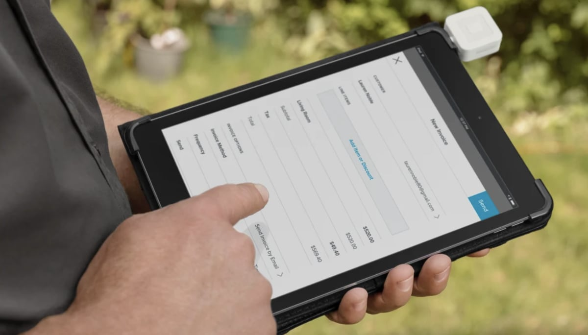 Square invoicing on iPad with Reader plugged in