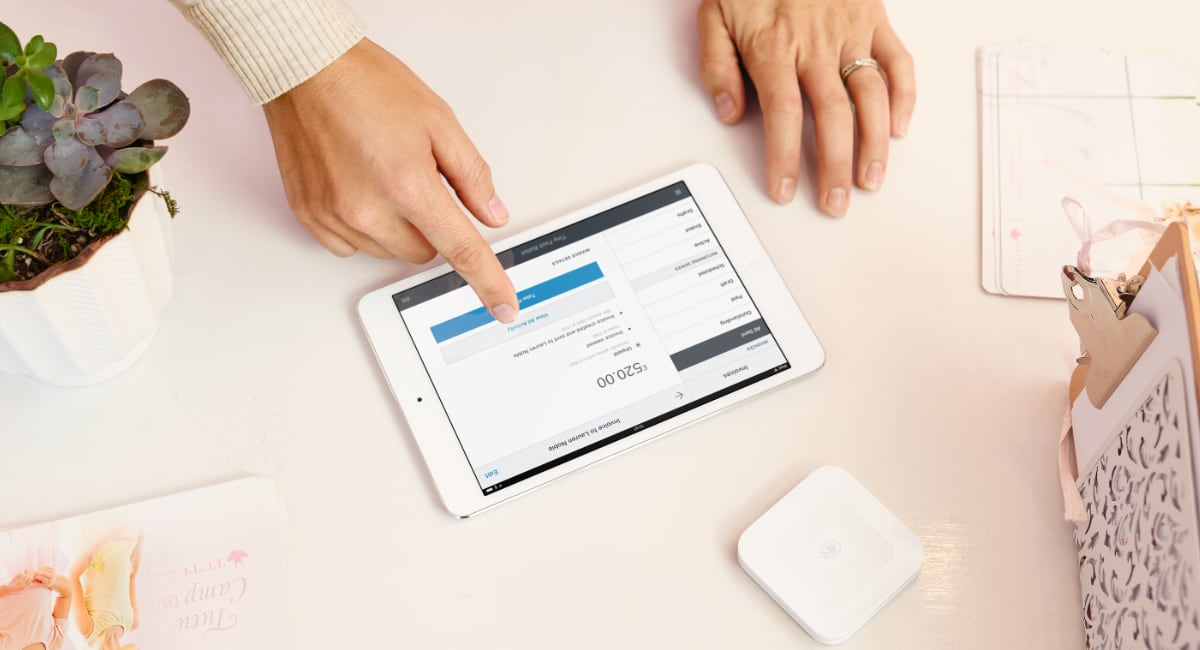 Square invoice on iPad with card reader