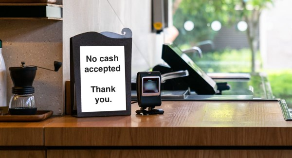 Do businesses have to accept cash in the UK?