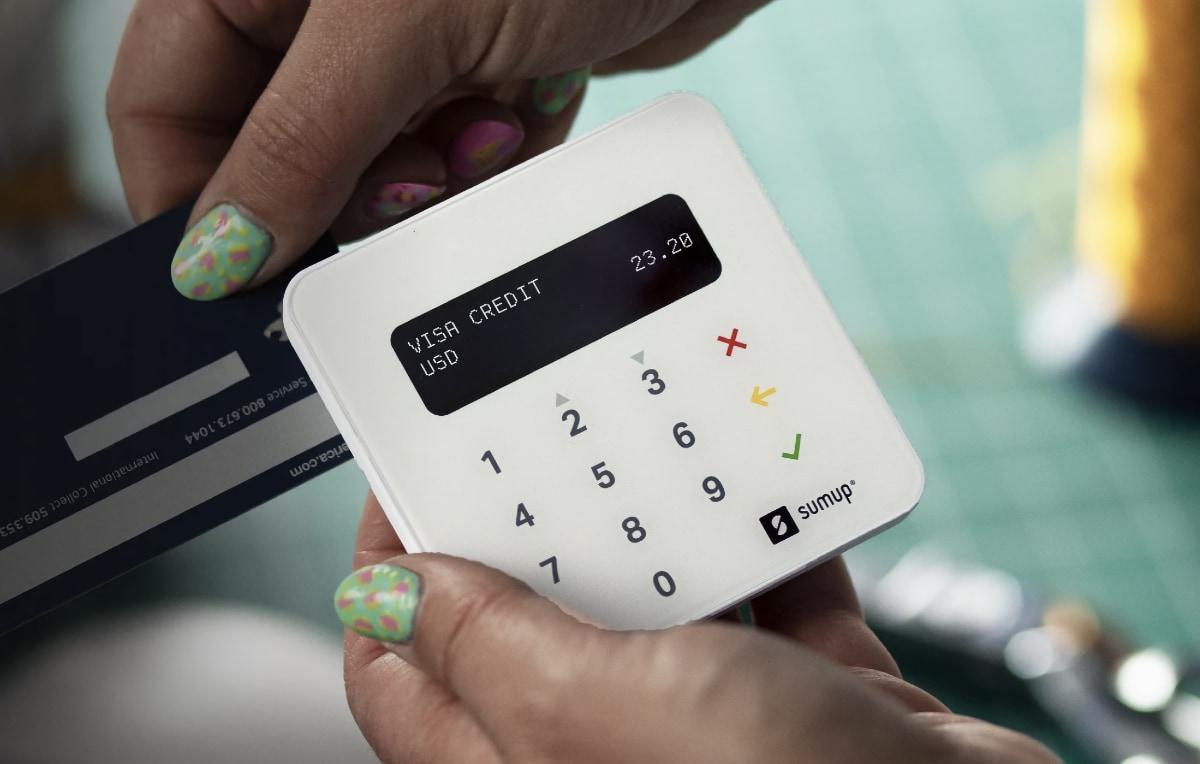 SumUp card reader swipe